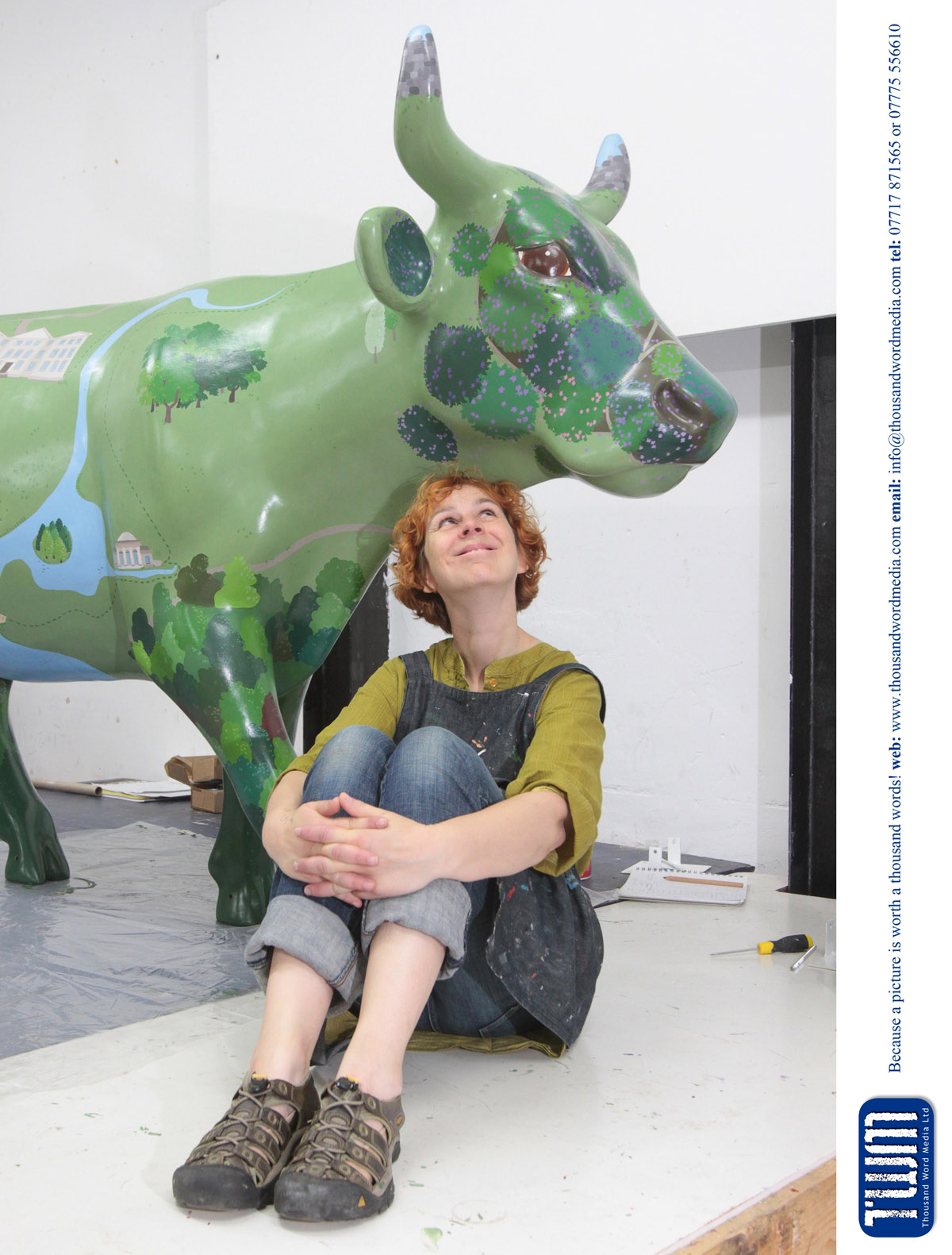 Artist Emily Ketteringham with her Ecclesiastical IG sponsored cow Ms Brown - 14.6.2016 Picture by Antony Thompson - Thousand Word Media,